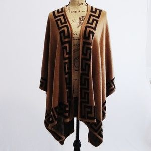 Sweaters - Neutral Colored Print Wrap